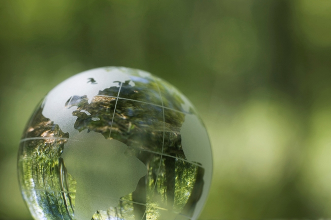 Join Moms Groups for a 30-Minute Chat About the Earth Summit