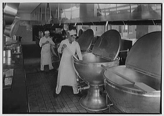 Triboro Hospital for Tuberculosis, Parsons Blvd., Jamaica, New York. Kitchen III LC-G612-T-39079
