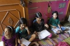 Schoolgirls in Delhi, Protsahan
