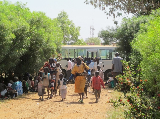Civilians seeking protection at the United Nations Mission in South Sudan (UNMISS) compound adjacent to Juba International Airport. 2013 Juba, South Sudan UN Photo/Rolla Hinedi