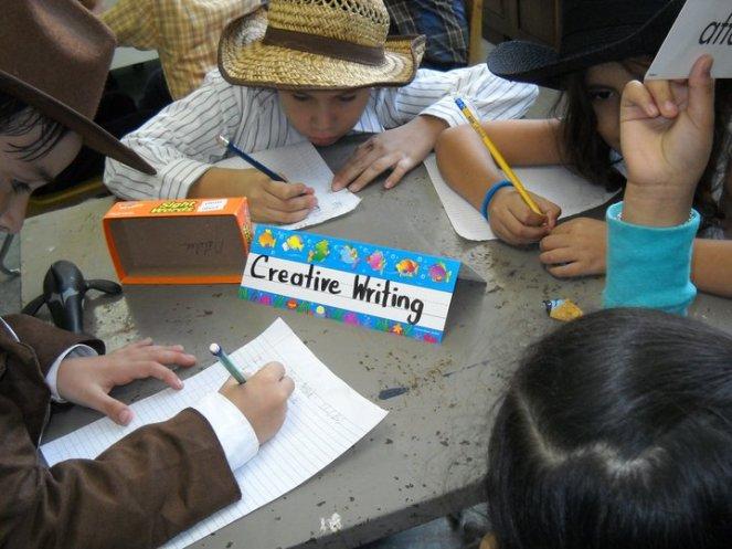 Photo_children_in_class