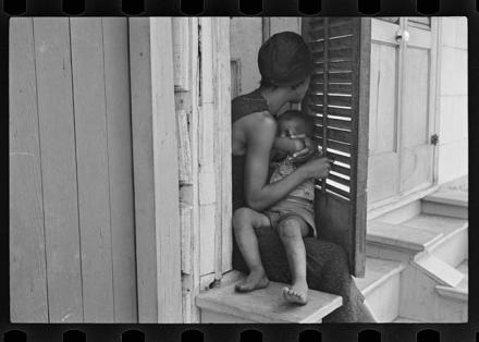 Scene in New Orleans, Louisiana; Shahn, Ben, 1898-1969, photographer; LC-USF33- 006099-M2