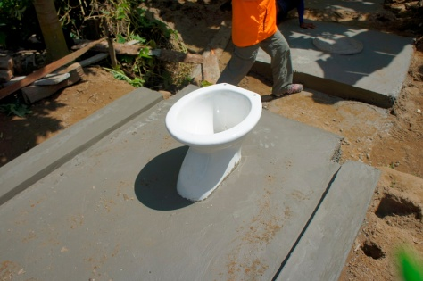 Toilet in Philippines - Dulag